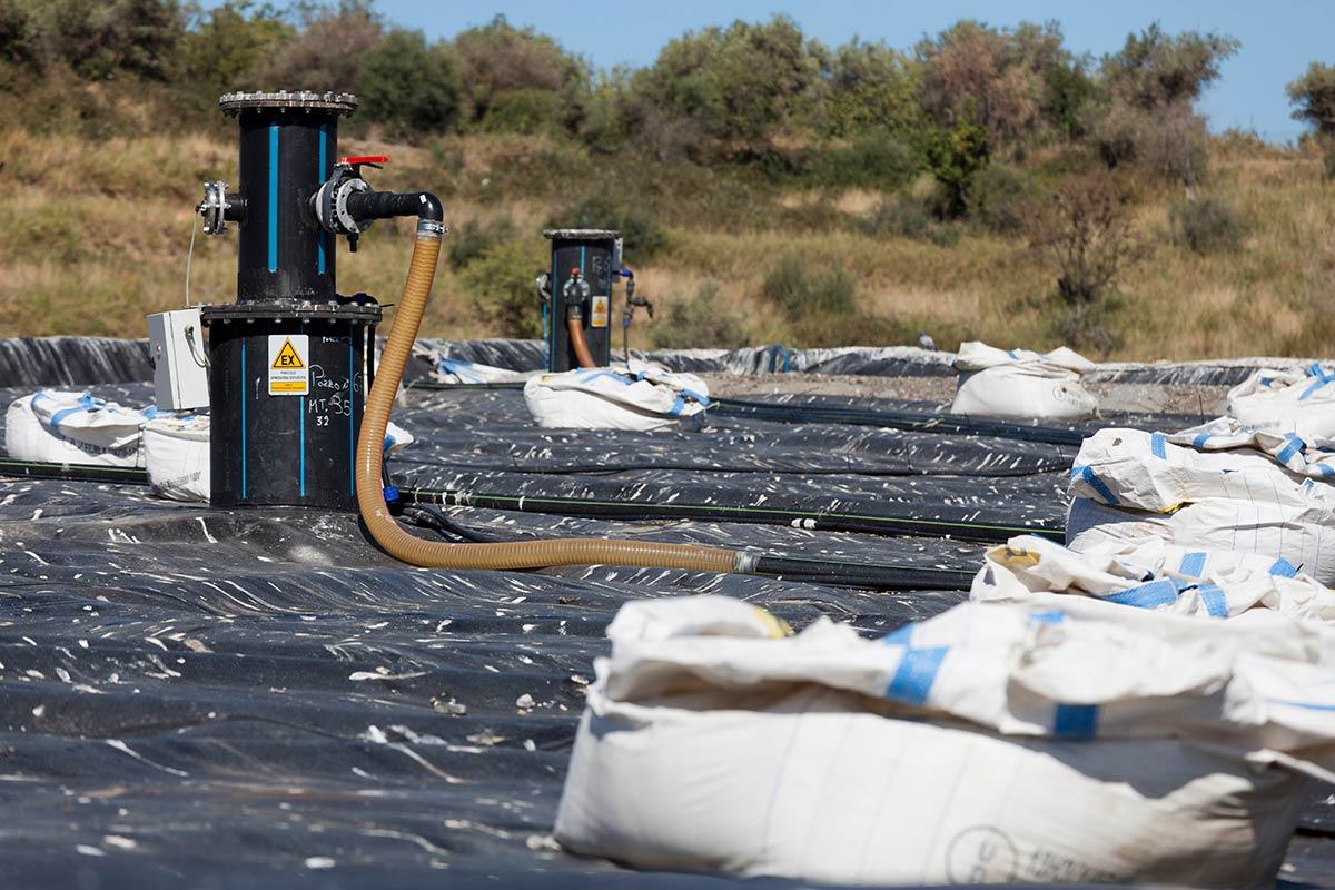 Landfill gas process Raman spectrometer